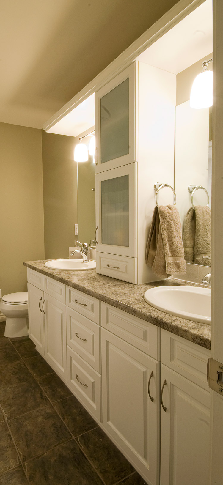 bathroom design with duo sinks and lots of storage