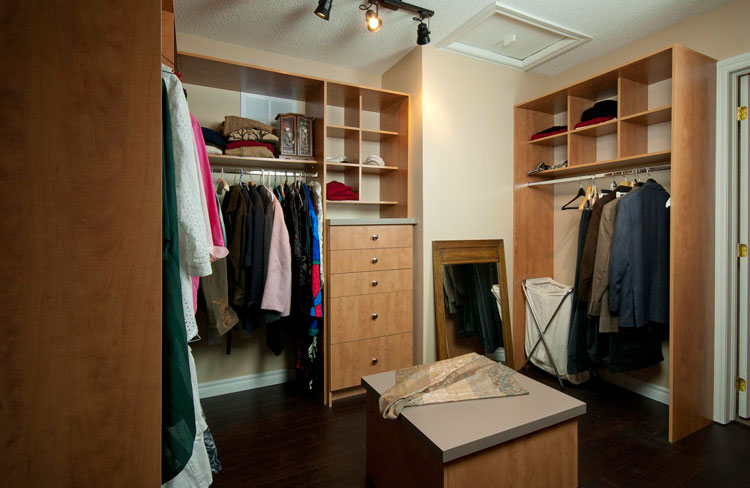 Bedroom closet organization system