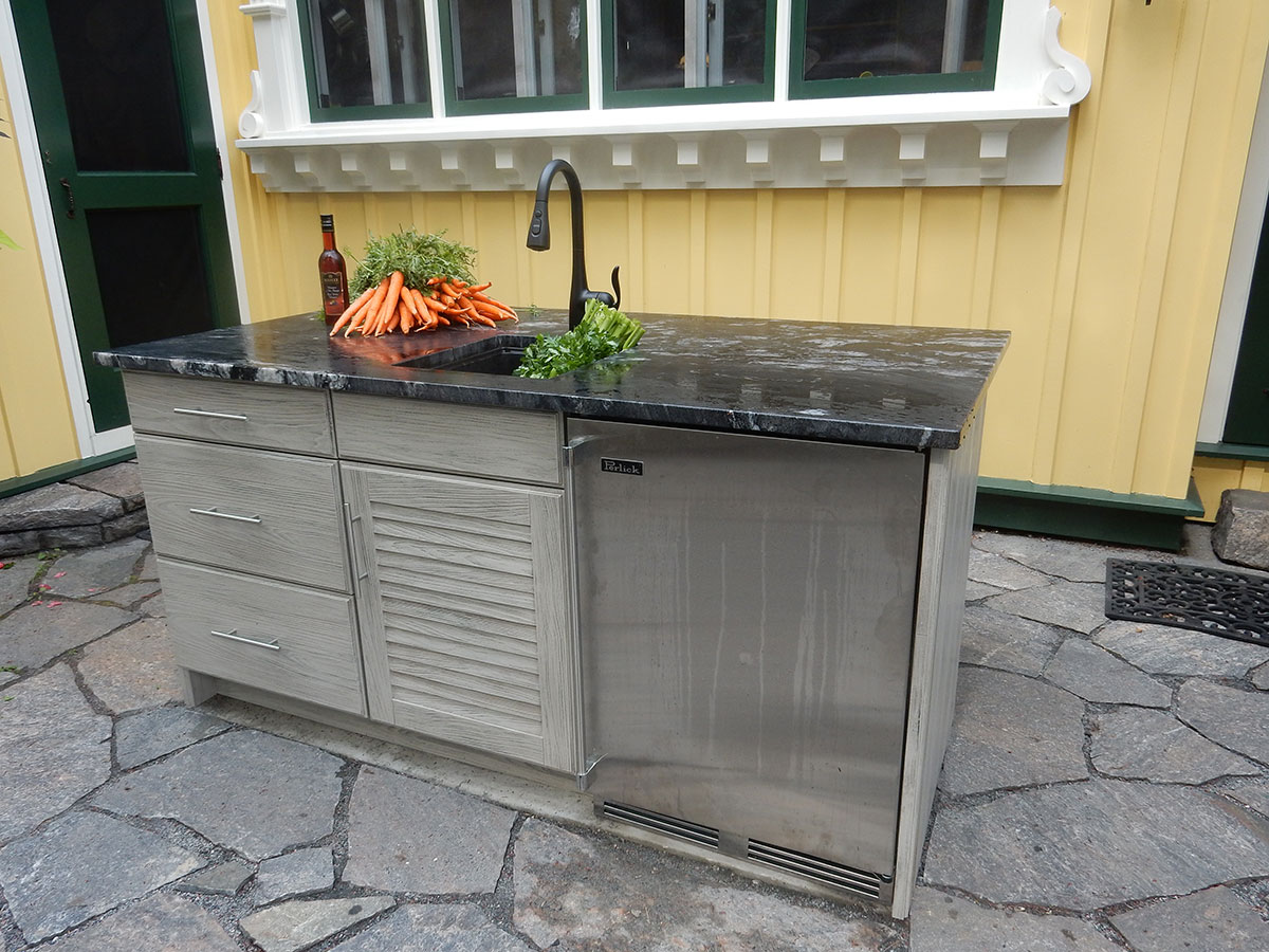 Outdoor Kitchen Design and Installation with NatureKast Outdoor Cabinets and sink