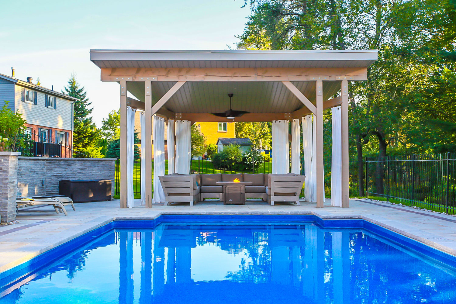 Backyard pool cabana design and construction - Total Living Concepts barrie ontario