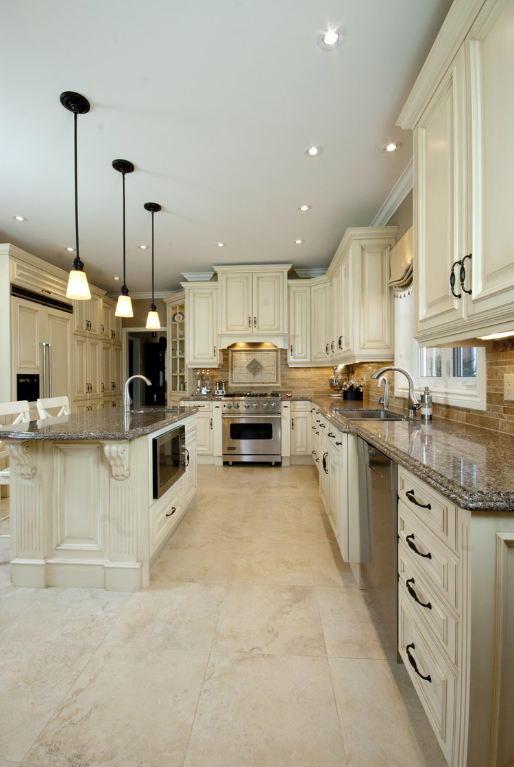 traditional large kitchen design and renovation