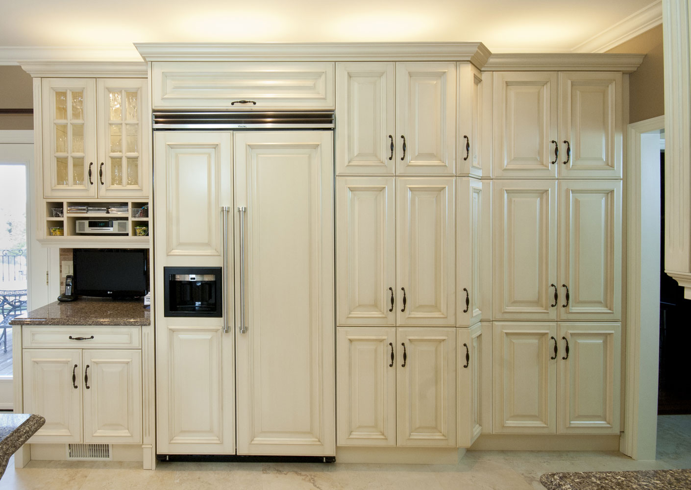 kitchen design with hidden fridge