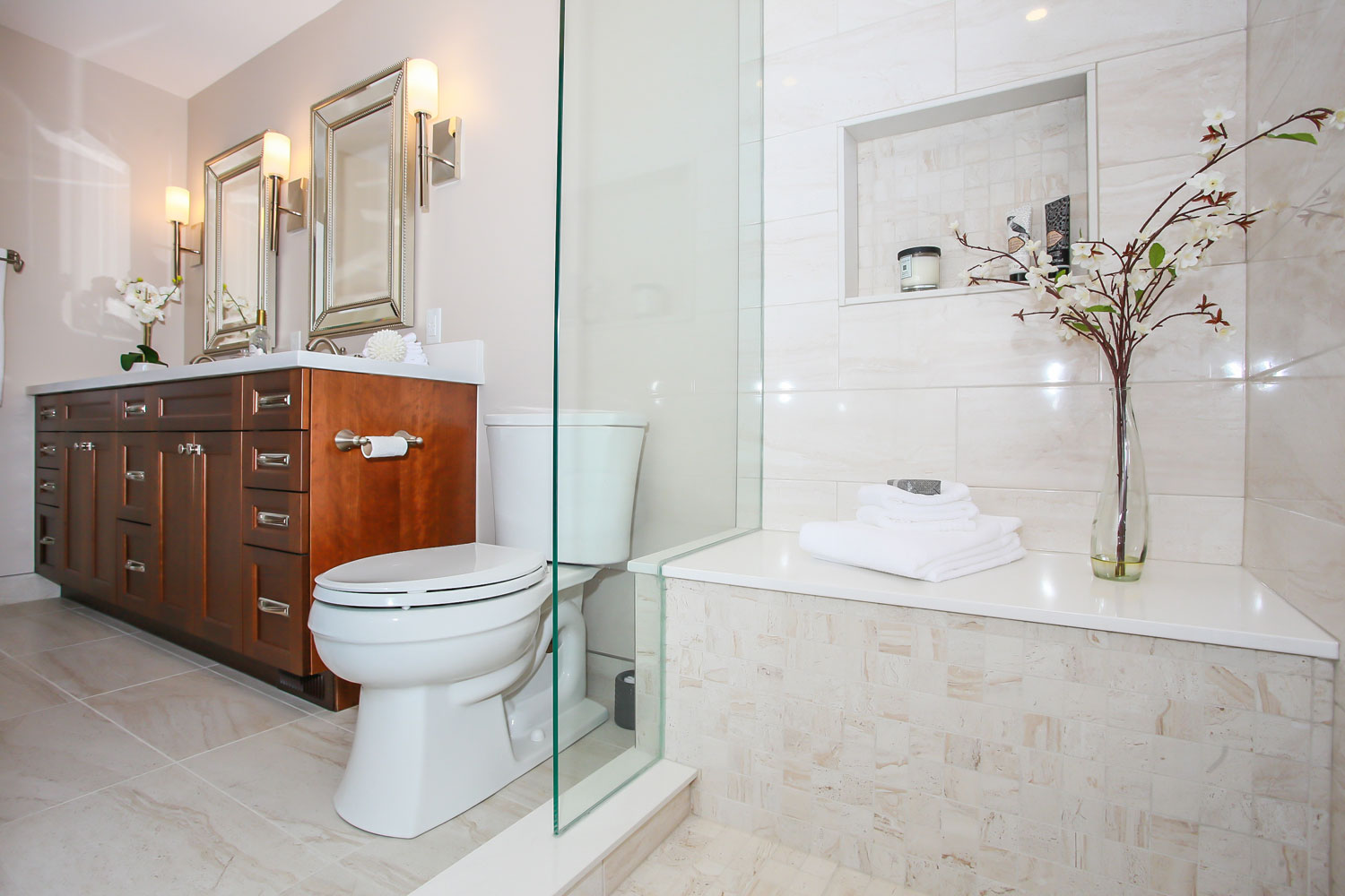 ensuite design and renovation with cherry cabinets and standup shower with bench seat - total living concepts barrie ontario