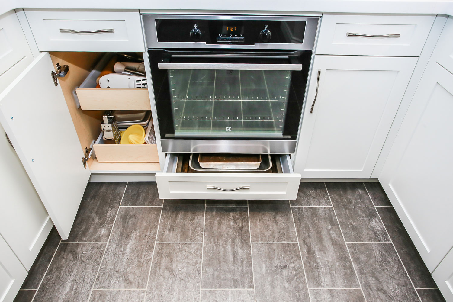 warming drawer and hidden pot drawers