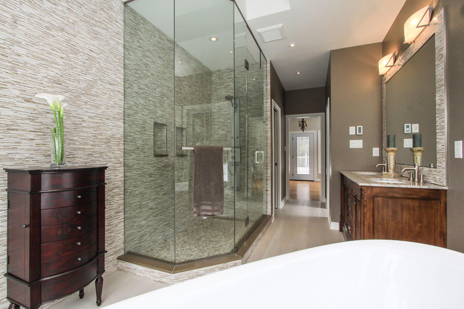 Large ensuite design with glass and tile standup shower - Total Living Concepts barrie ontario
