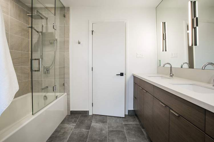 Ensuite bathroom renovation Barrie, Ontario by Total Living Concepts