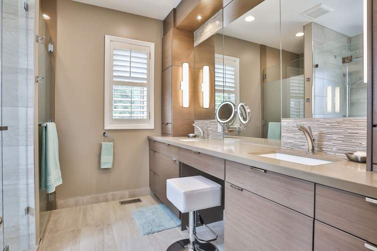Modern bathroom with calming pastel earth tones